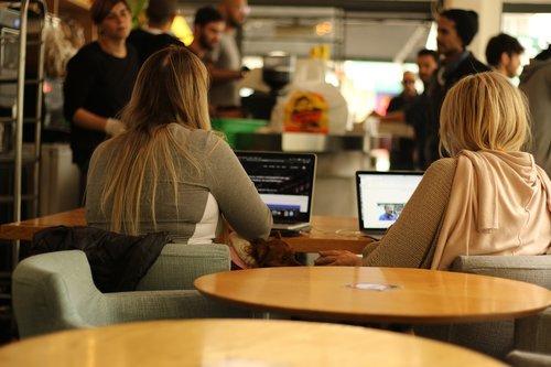 women  students  coffee shop