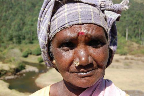 moterys,Indija,senas