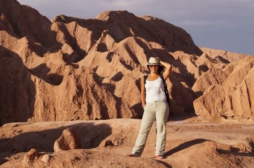 women desert latin america