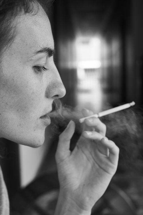 women's cigarette drink