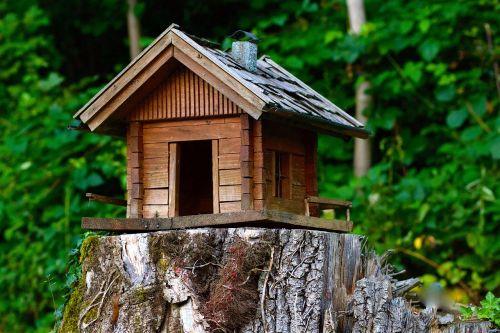 wood model cottage