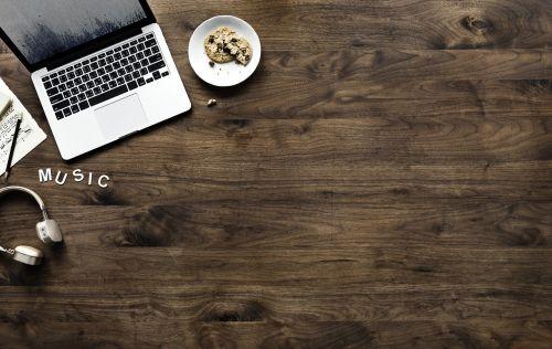 wood desktop wooden