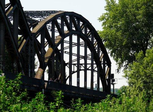 wood  bridge  steel