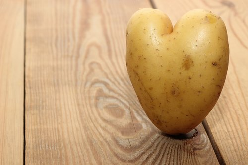 wood  heart  heart shape