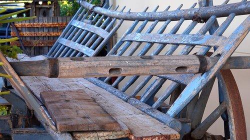 wood  dare  hay wagon