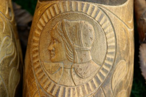 wood carving brittany peasant