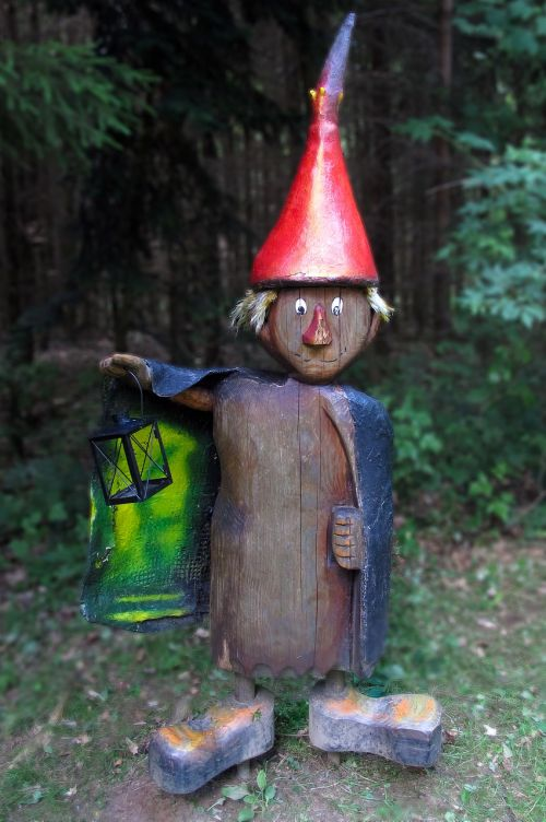 wood little man holzfigur fairy tales