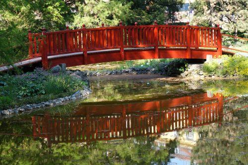 wooden bridge arhitecture