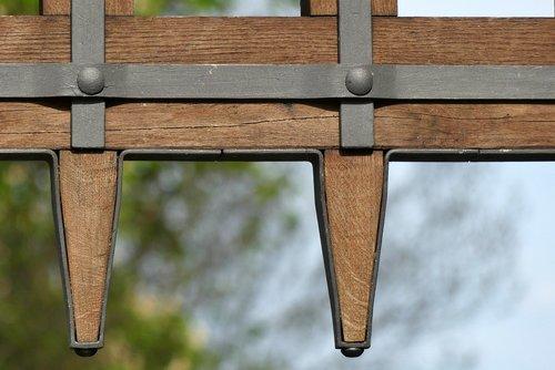 wooden  cross  no one