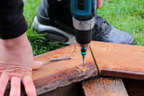 wooden board bangkirai metal screw