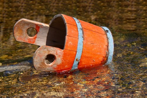 wooden bucket  water  wood