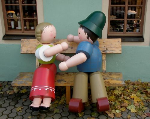 wooden figures lovers figures