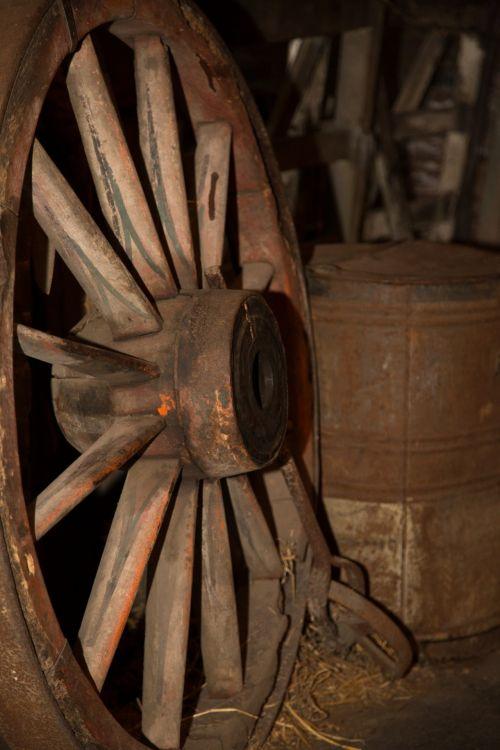 Wooden Wagon Wheel