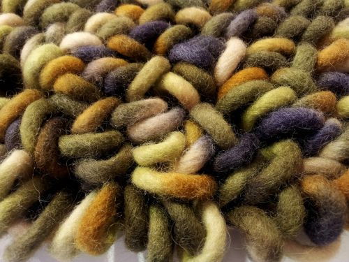 wool dressing color