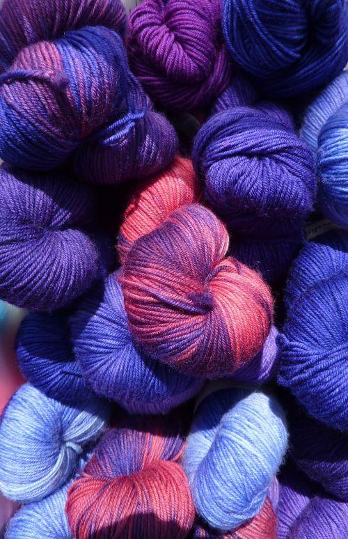 wool cat's cradle colorful