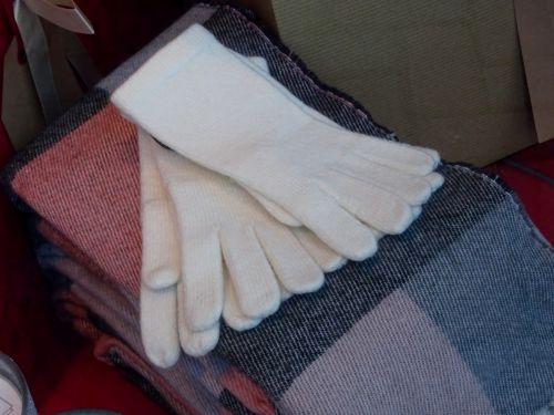 Woolen Scarves And Gloves