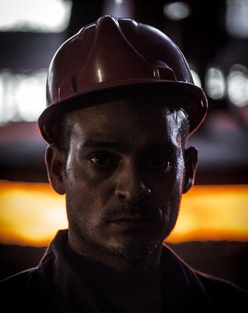 worker helmet mine