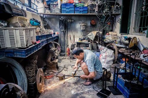 worker steel industry