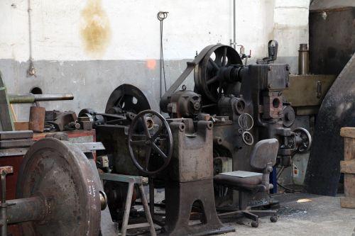 workshop metal metalworking