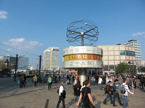 world clock berlin alexanderplatz