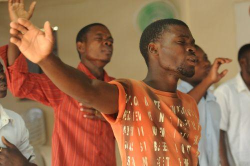 worship praise singer