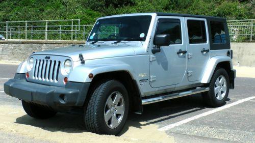 Wrangler Sahara Jeep