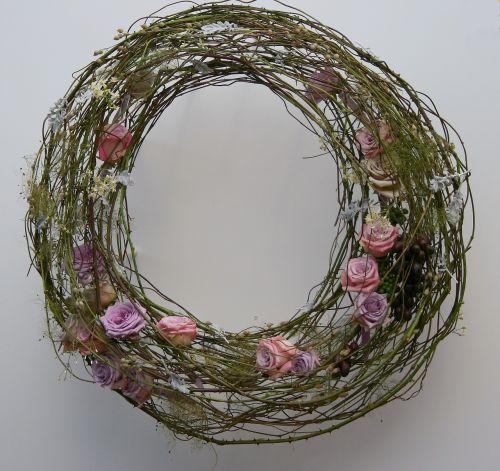wreath roses romantic