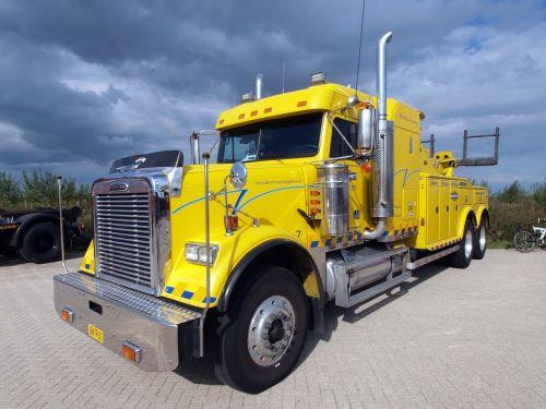 wrecker recovery truck