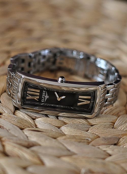 wrist watch time clock
