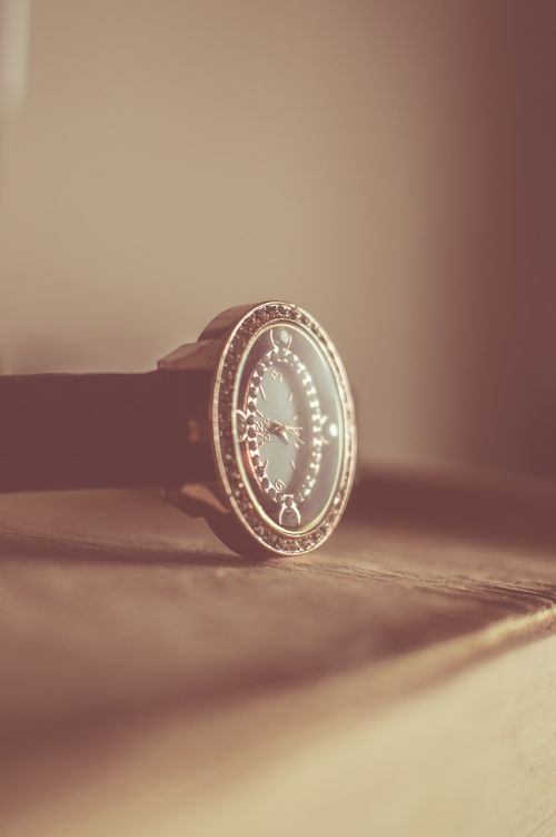 wristwatch vintage time