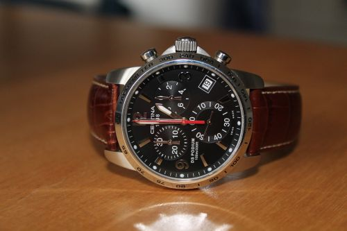 wristwatch chronograph quartz