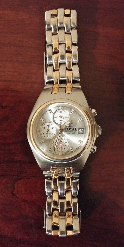 wristwatch watch dress watch