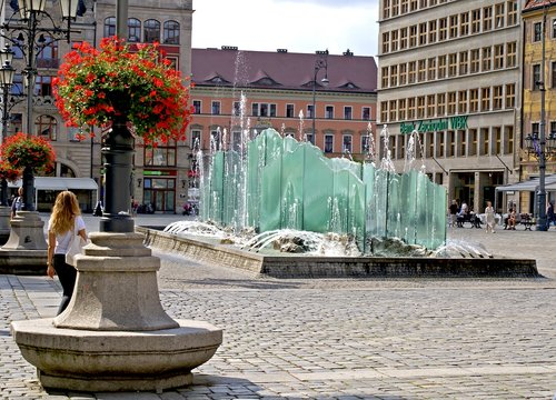 wrocław  wrocław market  fountain
