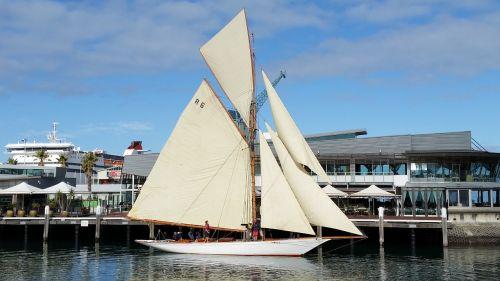 yacht sailing boat