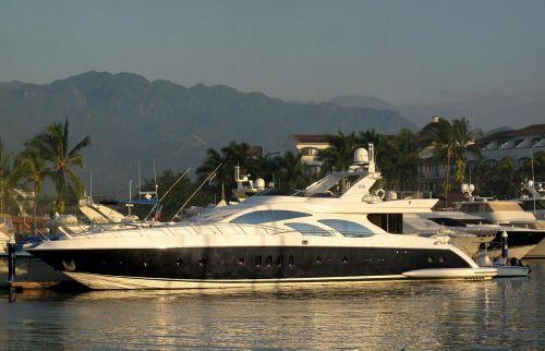 yacht boat leisure
