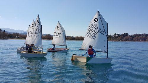 yachting upbeat sea