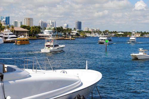 yachts travel boats