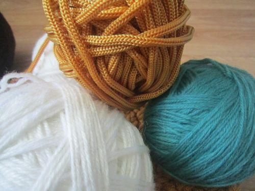 yarn knitting tangle