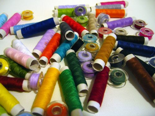 yarn spools of thread fadenrollen