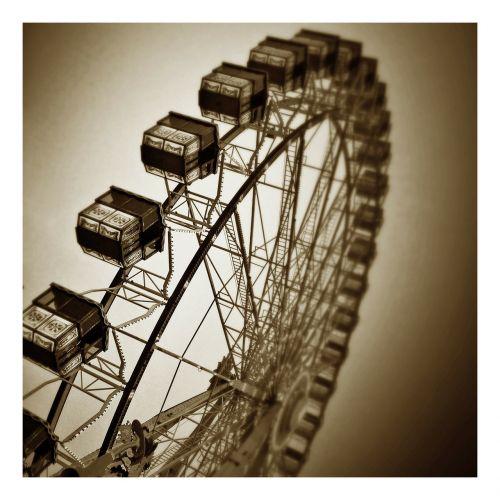 year market ferris wheel sky