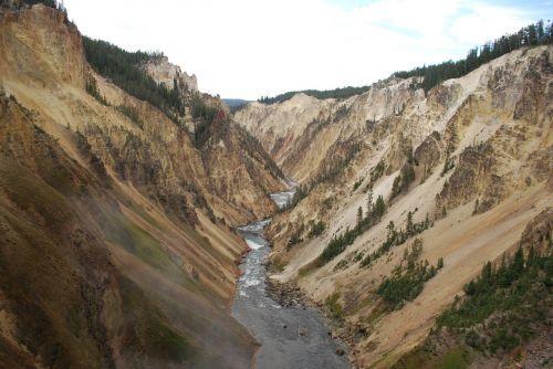 yellowstone beautiful landscape canyon
