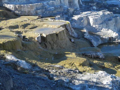 yellowstone national park mammoth hot springs wyoming