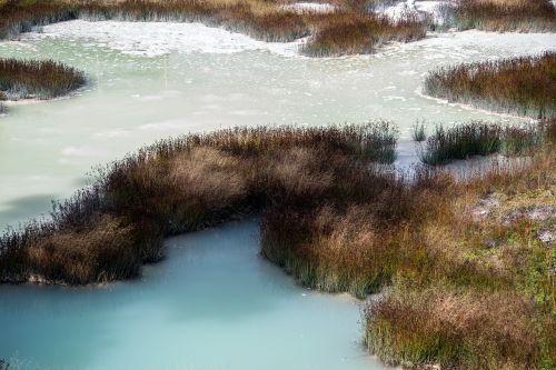 yellowstone national park wyoming mammoth springs