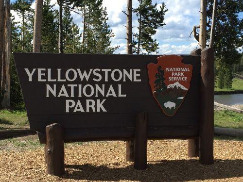 yellowstone national park sign yellowstone