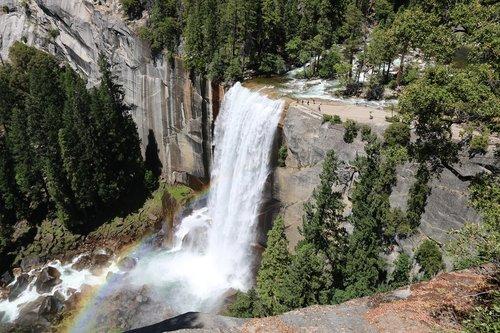 yosemite  waterfall  landscape