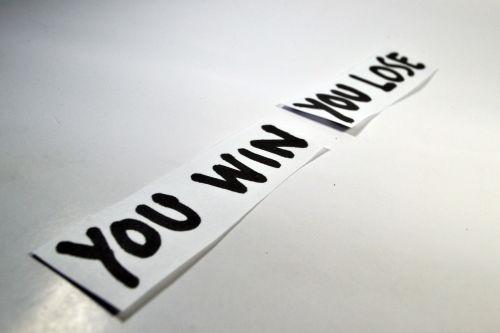tu laimėjai,tu pralaimi,laimėti,prarasti,laimėti,prarasti,priešingas,antonym,rašymas,rašyti,popierius,pranešimas,pastaba,įkvėpimas,motyvacija