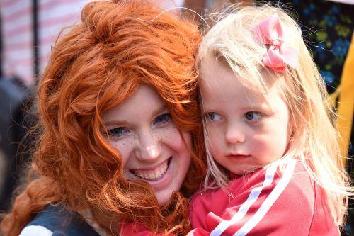 children face redhead