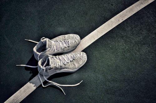 yu shuai 10 li ning basketball shoes