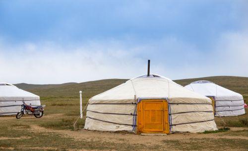 yurt mongolia steppe