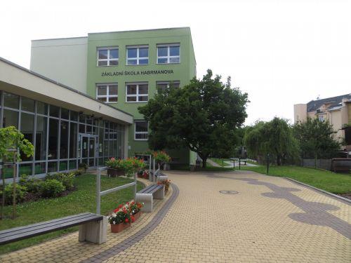 Elementary School Habrmanova